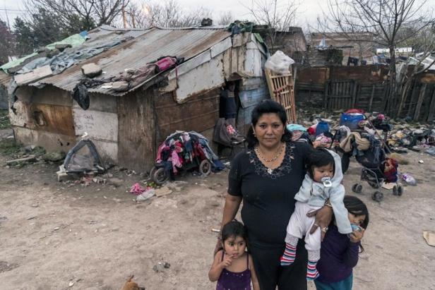 800px-Pobreza_en_Tucumán