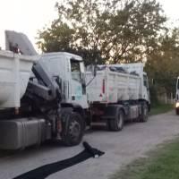 La Plata: Julio Garro envía alimentos en camiones de basura a las parroquias