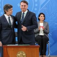 Nuevo récord de muertos diarios por coronavirus: Bolsonaro dice que era su destino