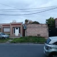 Estafadores en Lanus: Pareja de cuidadores le roban la casa a dos jubilados